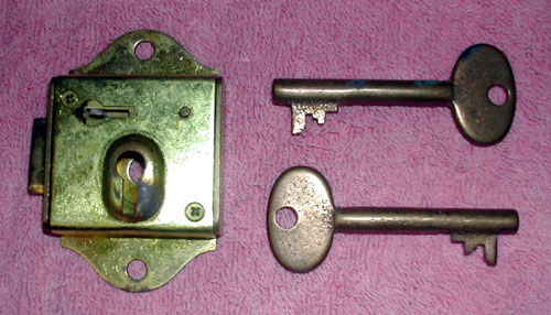 KS-8028 Lock and Keys